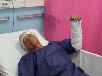 Jean-Roch avant son intervention à la clinique de la main.