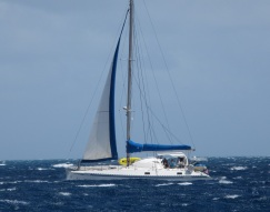 TEIVA dans le canal entre Nevis et St Kitts.