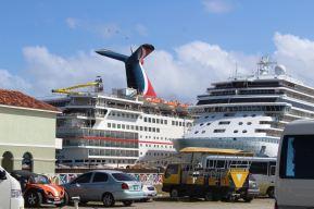 Les bateaux de croisière de St Kitts.
