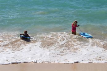 Surf sur l'eau avec Violette :-)