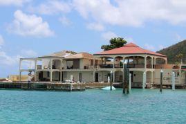 Ce qu'il reste du Saba Rock Resort...