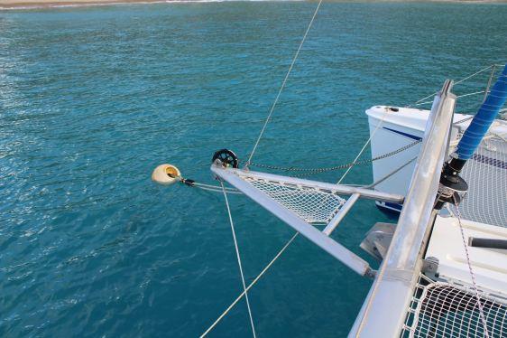 TEIVA ne tient plus que par l'amarre tribord :-(