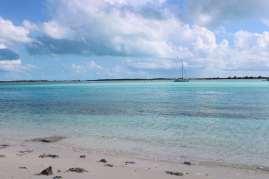 TEIVA au mouillage entre Compas Cay et Pipe Cay