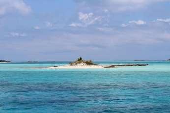 Un petit îlot juste avant la passe