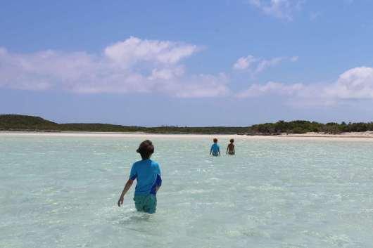Balade sur le banc de sable devant Jimmys Cay :-)