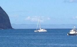 TEIVA arrive dans la baie d'Horta.
